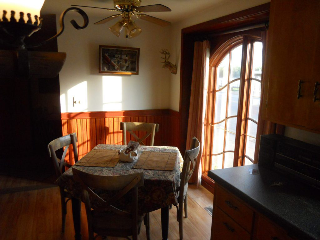 Falcon Cottage Dining Table