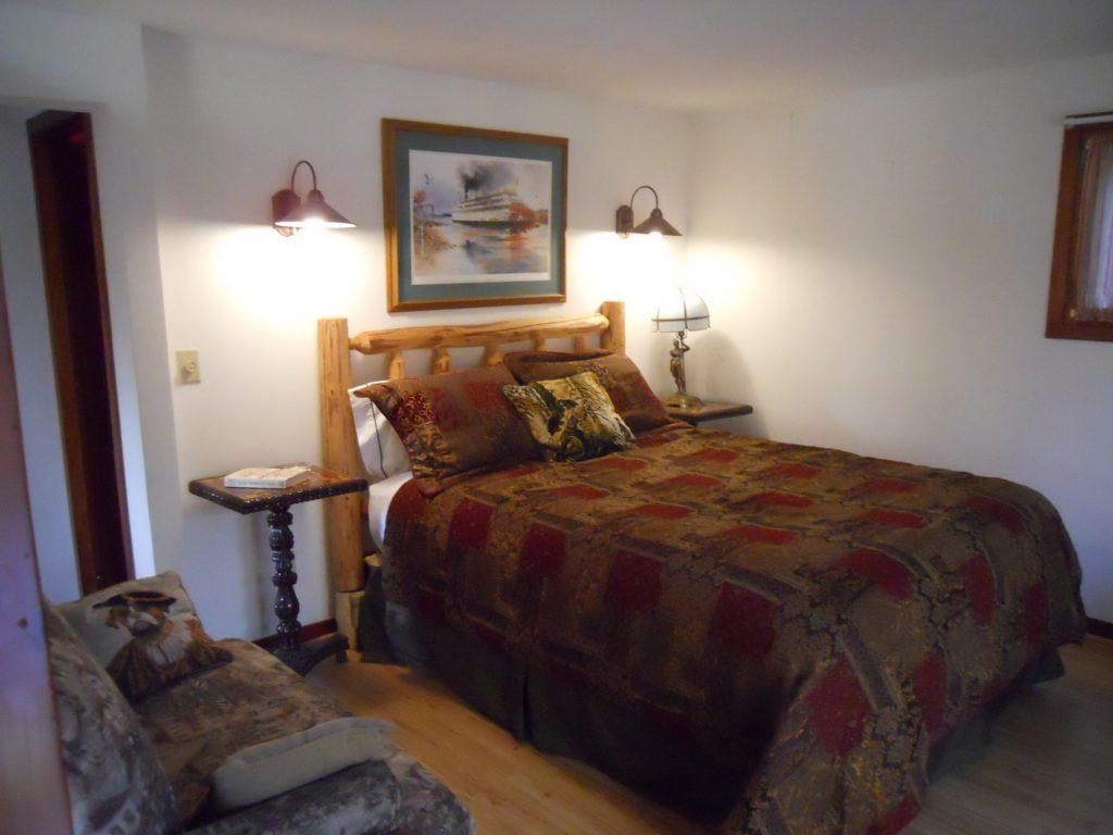 Falcon Cottage Private Room