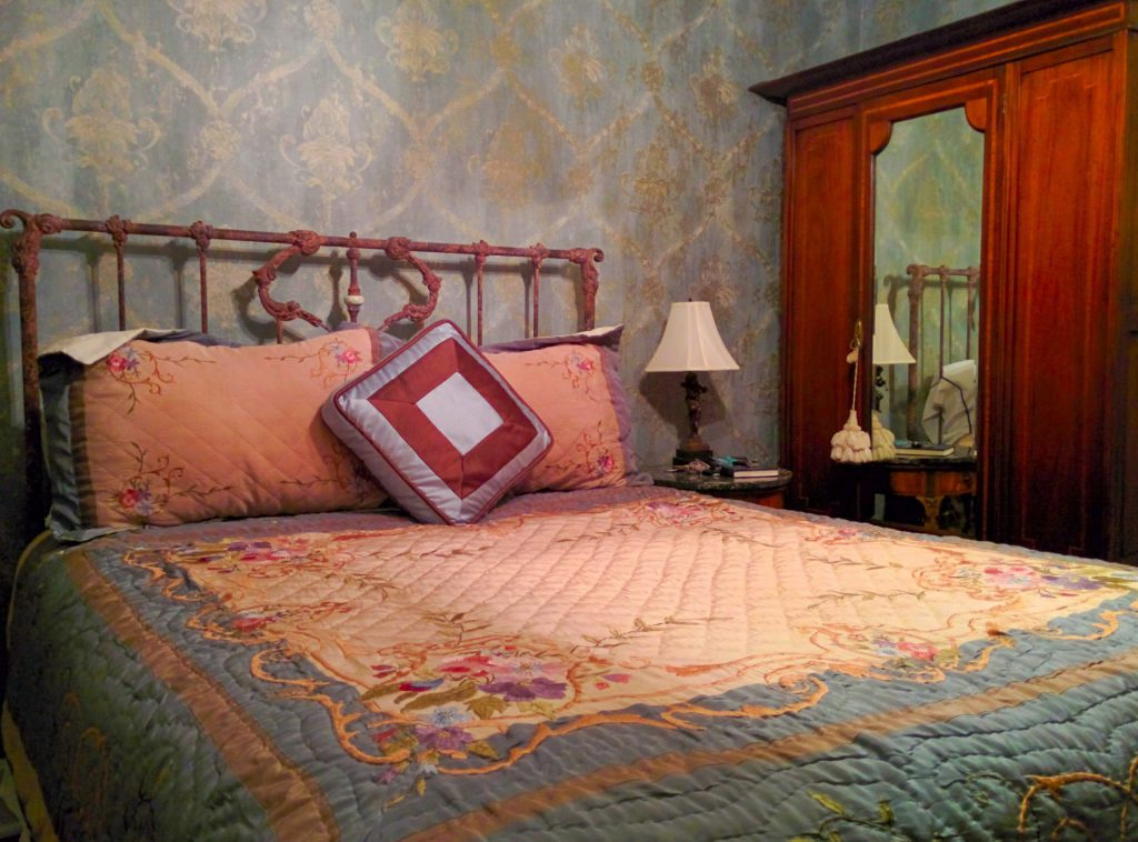 Fountain Suite Bed